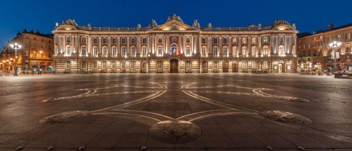 Place du Capitole à Toulouse de nuit