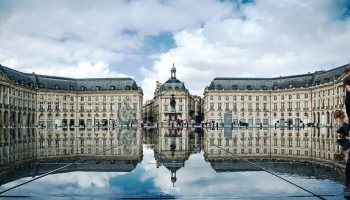 Place_de_la_Bourse,_Bordeaux,_France