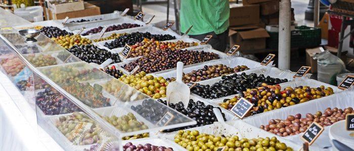 Marché de Nice, stand d'olives