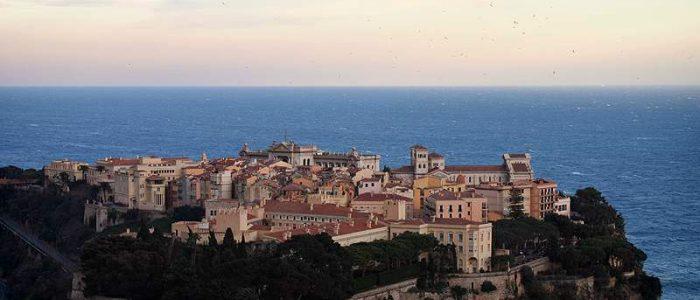 Vue sur la mer Méditerranée depuis Monaco